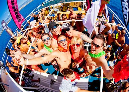 book a boat party dj